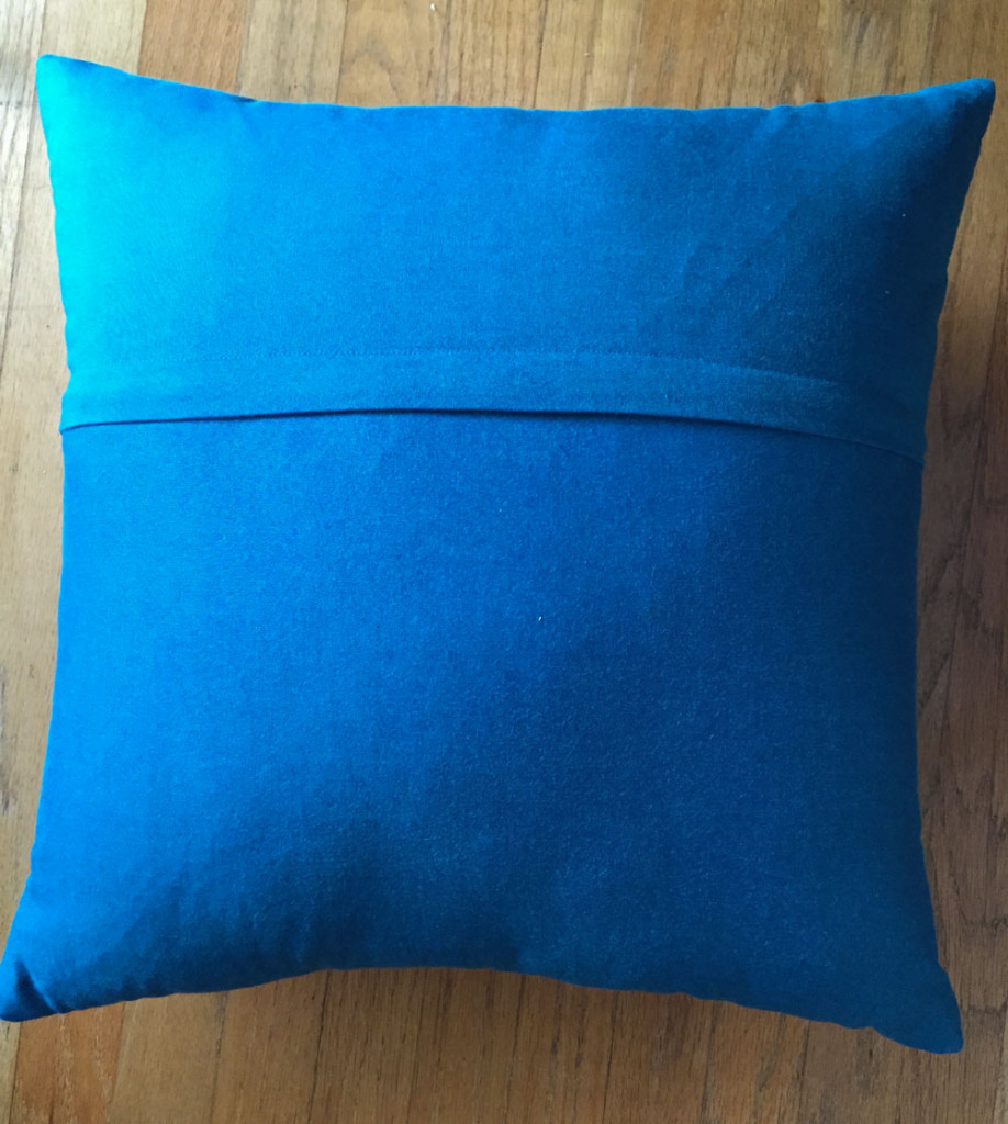 Back of the pillow with a zip placket